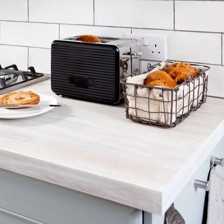 Ordena la superficie de cocina pequeña