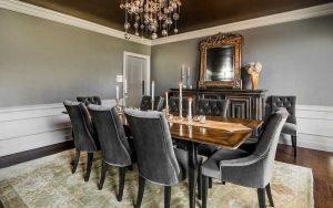 comedor con paredes pintadas de gris