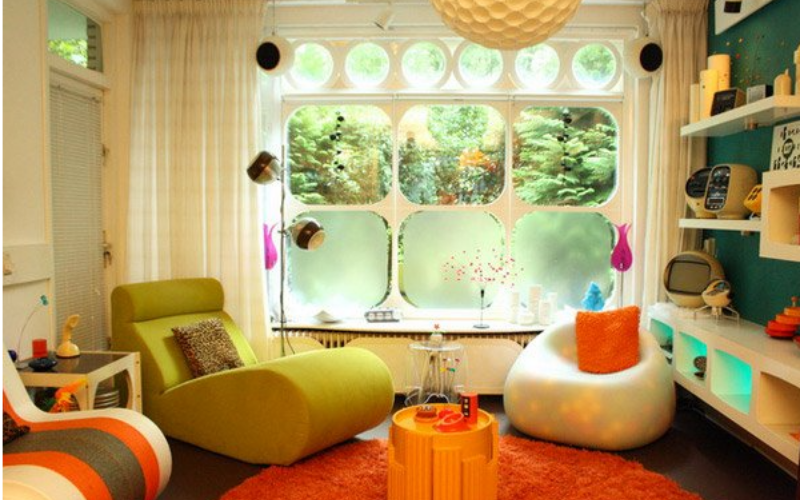 15 Salas de estar con inspiración retro
