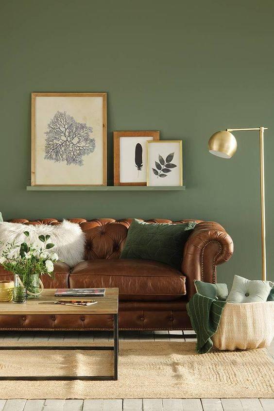 Combinando el verde con color marrón para el salón