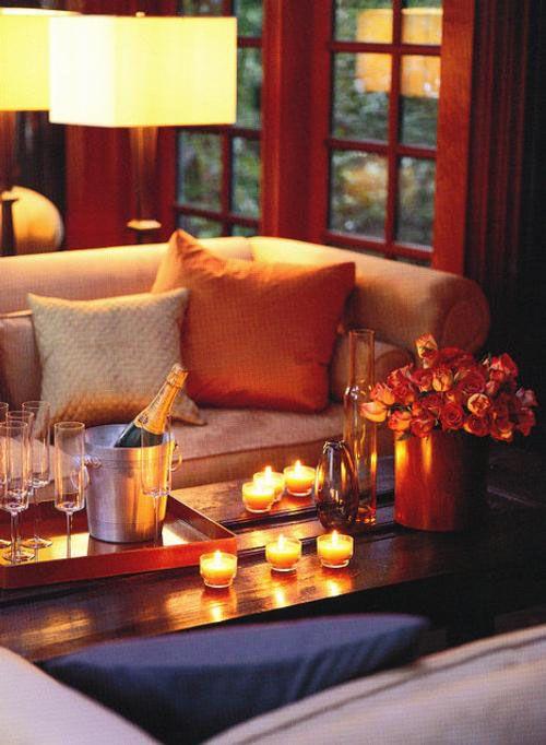 Ambiente romántico con velas con salones