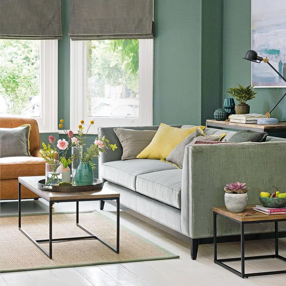 Salón con tonos totalmente verdes