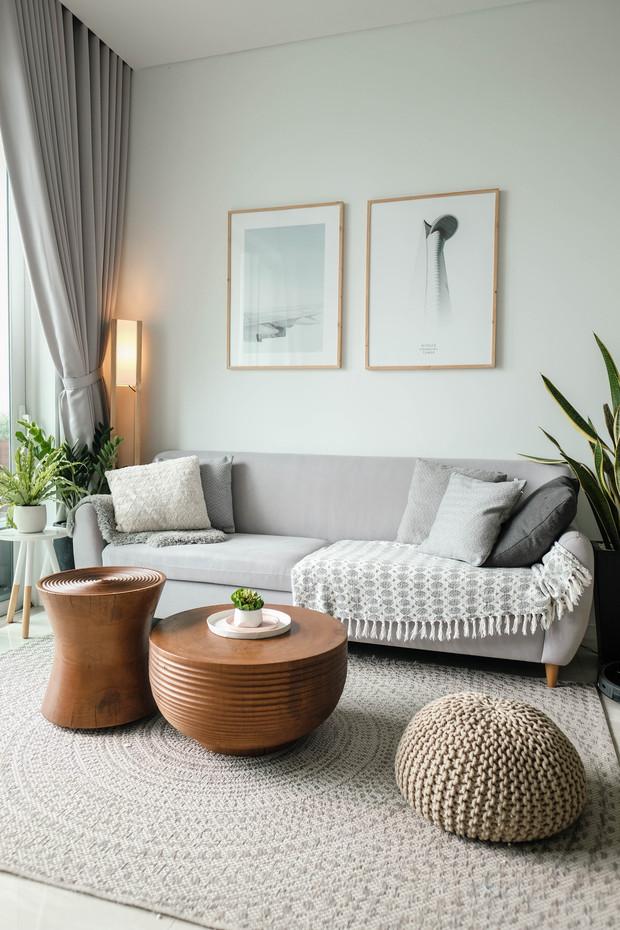 Sala Rústica y pequeña con ambiente minimalista