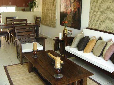 Sala rústica pequeña y simple