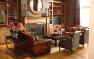 salon moderno y colonial