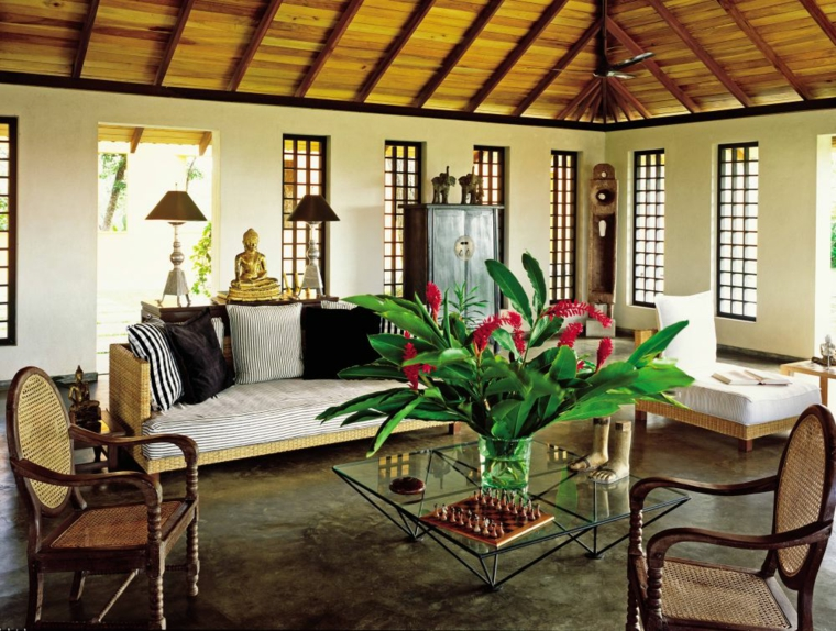 Sencillez y comodidad colonial para el salón