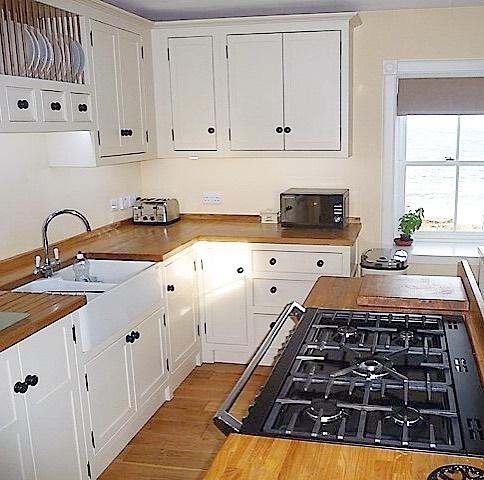pintar tu cocina pequeña de color marfil