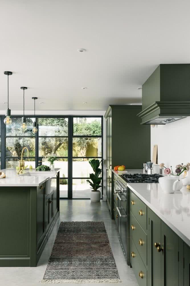 decorar la cocina con muebles verdes