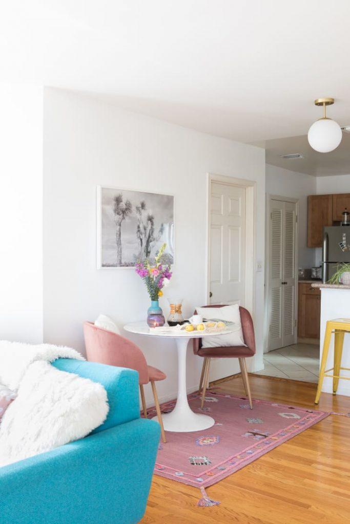 decorar un salón comedor de 20 metros cuadrados con alfombras