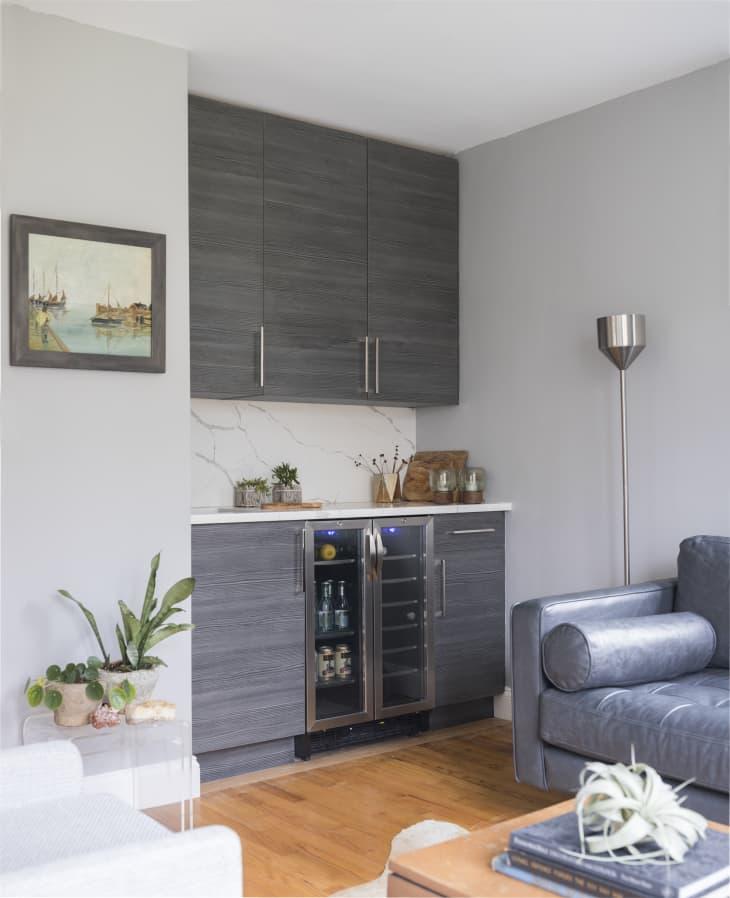 decorar una esquina del salón con una barra