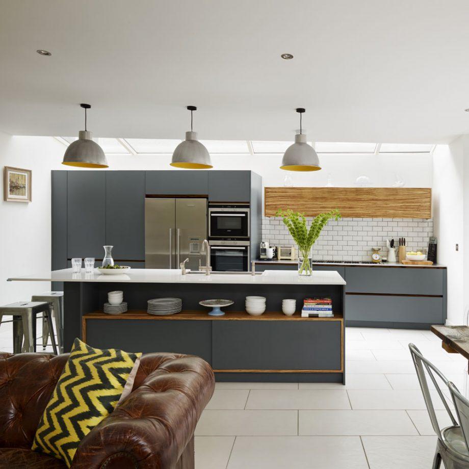 cocina salón moderna pequeña y familiar