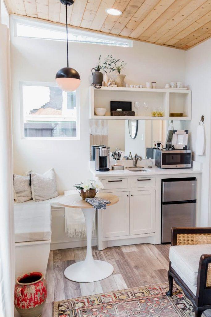 decorar un salón comedor de 20 metros cuadrados con muebles esquineros