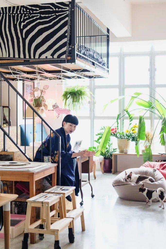 decorar un salón comedor de 20 metros cuadrados con sillas plegables