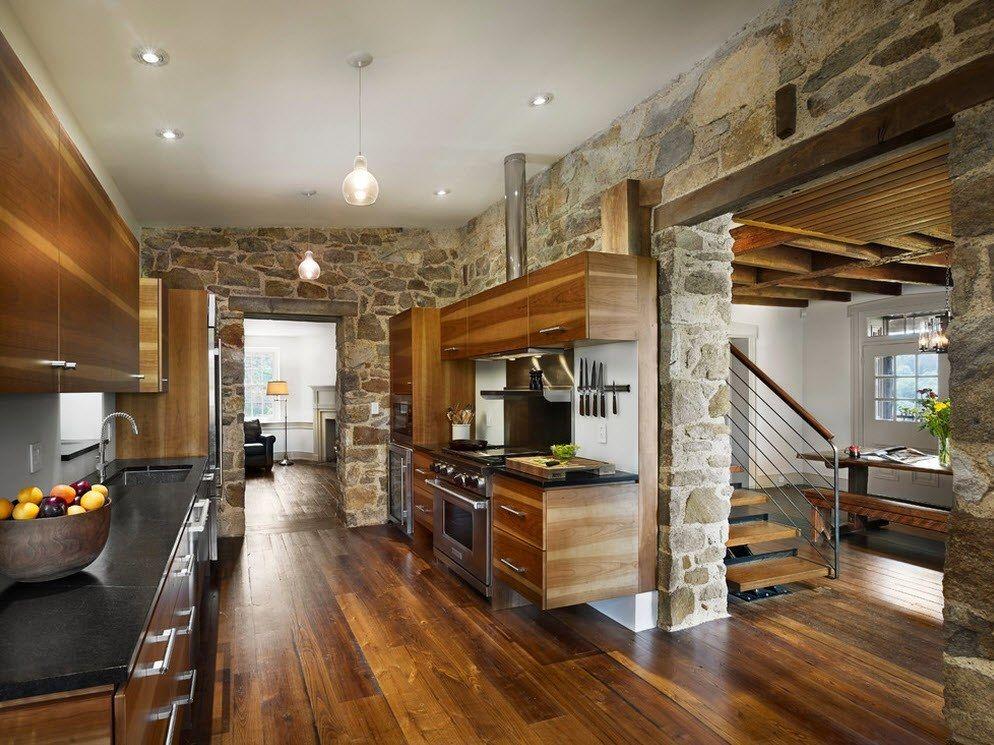 Cocina decorada con piedra y madera