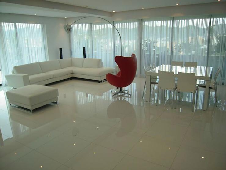 salones elegantes con paredes de cristal