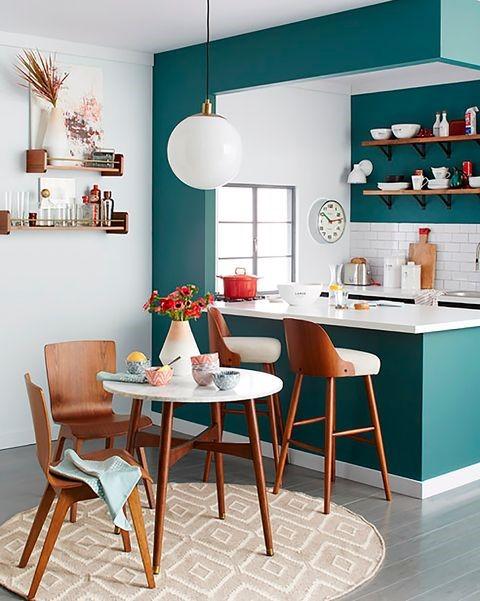 decoracion de cocinas muy pequeñas con barra americana