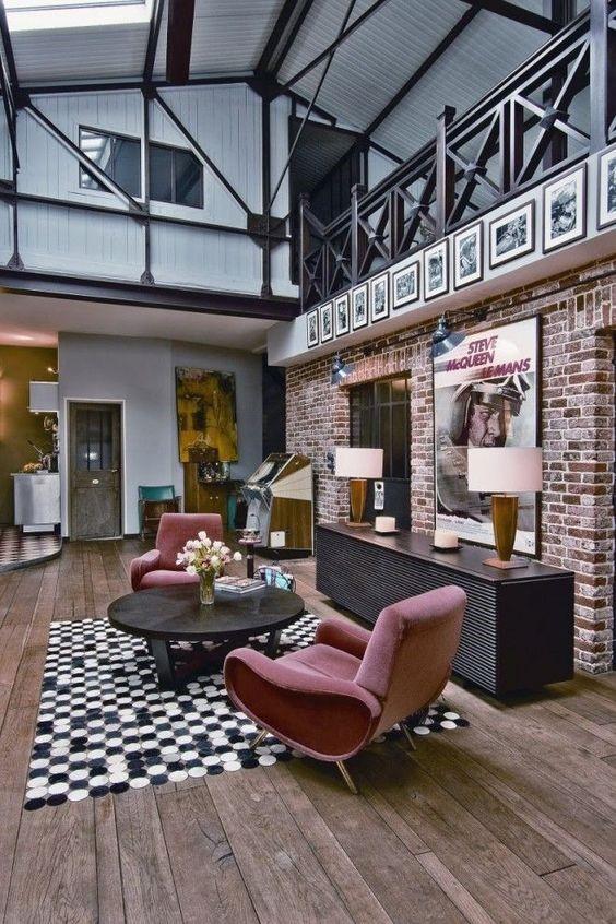 Salones decorados en gris y rosa industrial