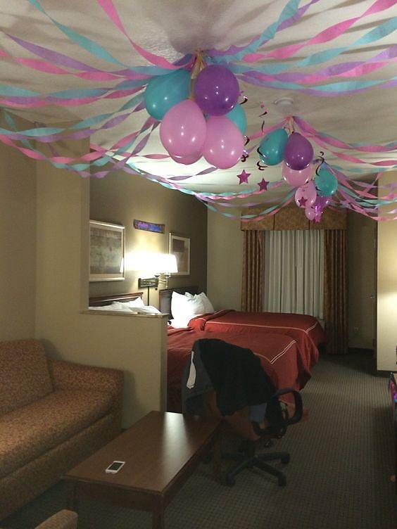 decoracion de cuartos para cumpleaños globos de colores