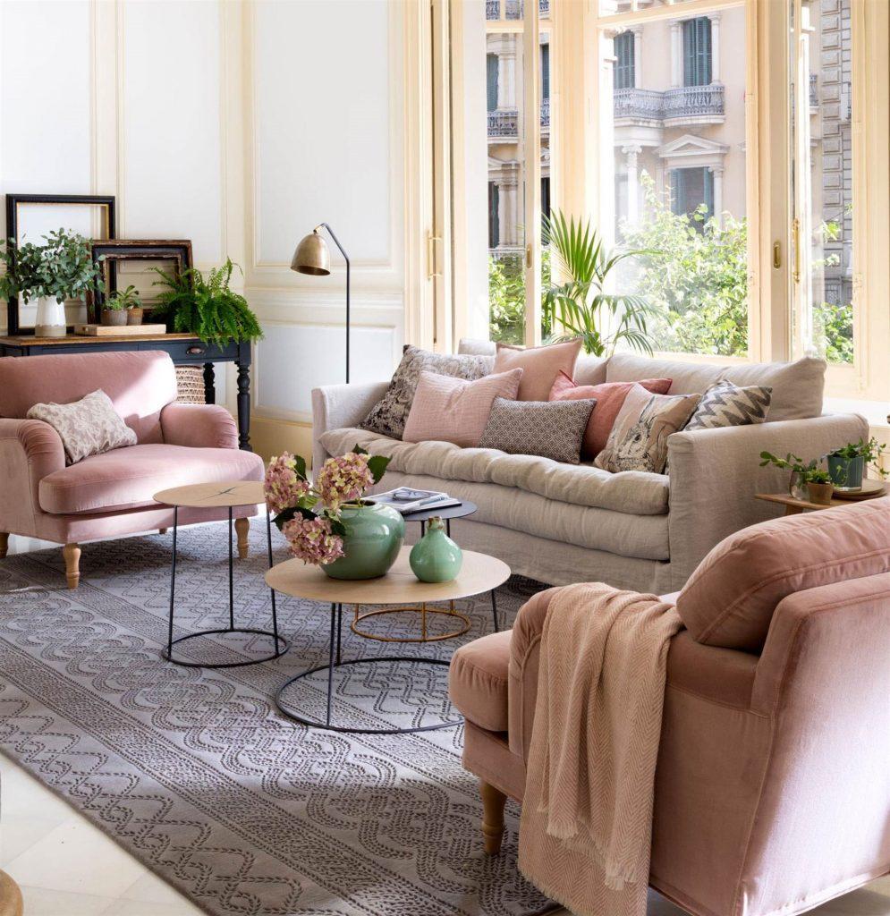 Salones decorados en gris y rosa sencillo