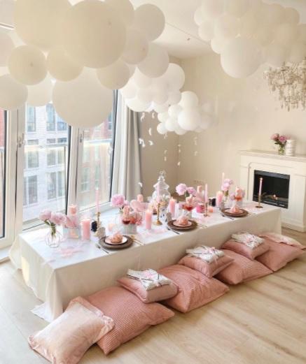cuartos decorados con globos pastel