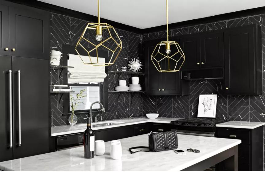 Placa para salpicaduras de azulejos en espiga de mármol negro para la cocina