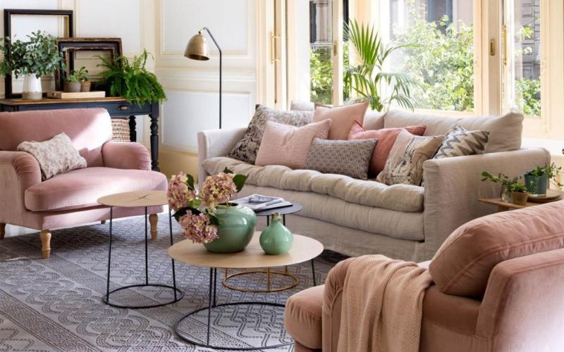 8 Salones decorados en gris y rosa