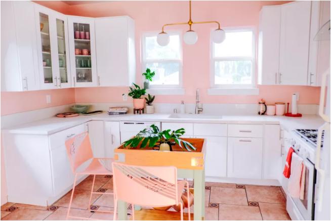 cocina vintage con un toque rosa