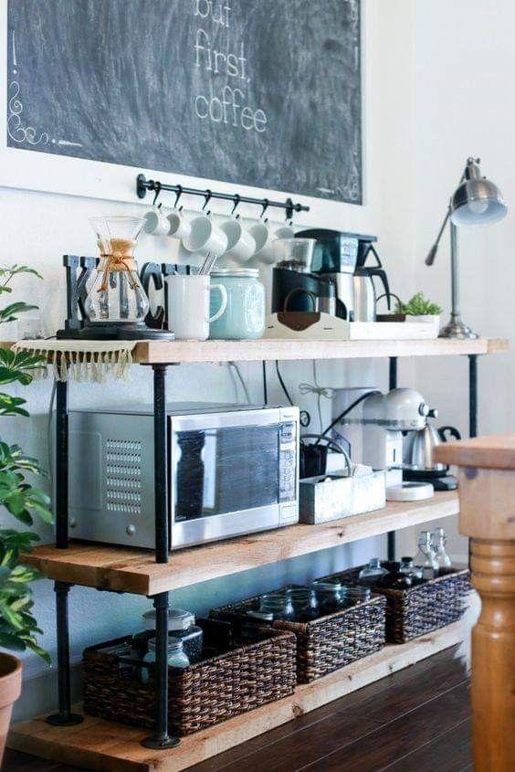 Usa un carrito de cocina para el café