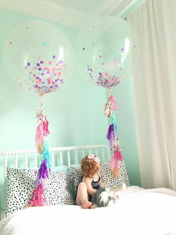 cuartos decorados  con globos de colores