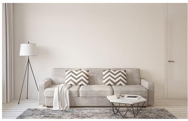 Salones pequeños y minimalistas con colores neutros
