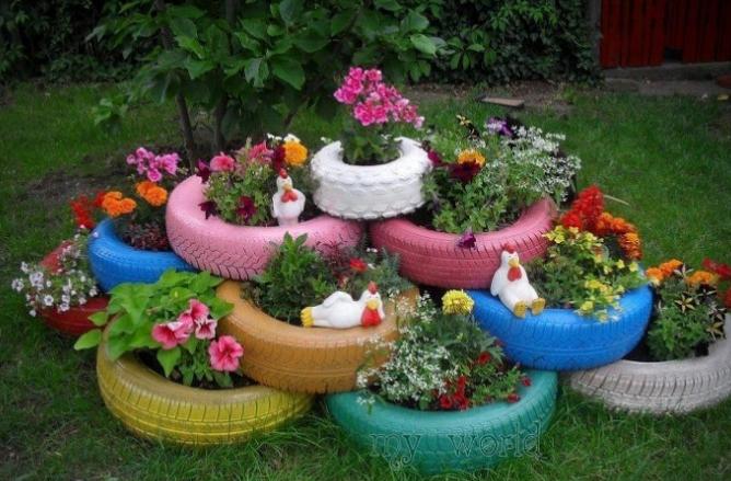 decorar un patio pequeño barato con pneumaticos