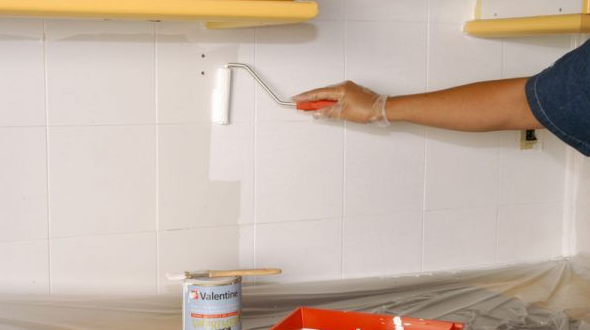 Pintar azulejo de cocina blanco sobre blanco
