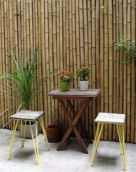 decorar un patio pequeño barato con bambu