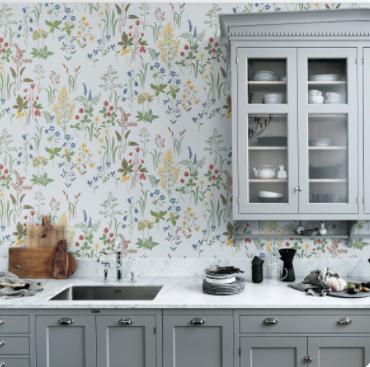 Decoración de paredes floreadas vintage en cocina