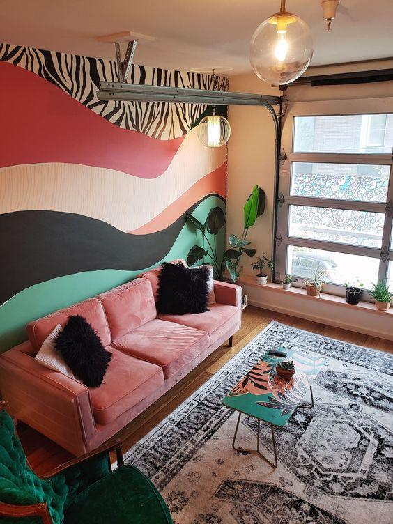 Explosión de colores sobre el sofá