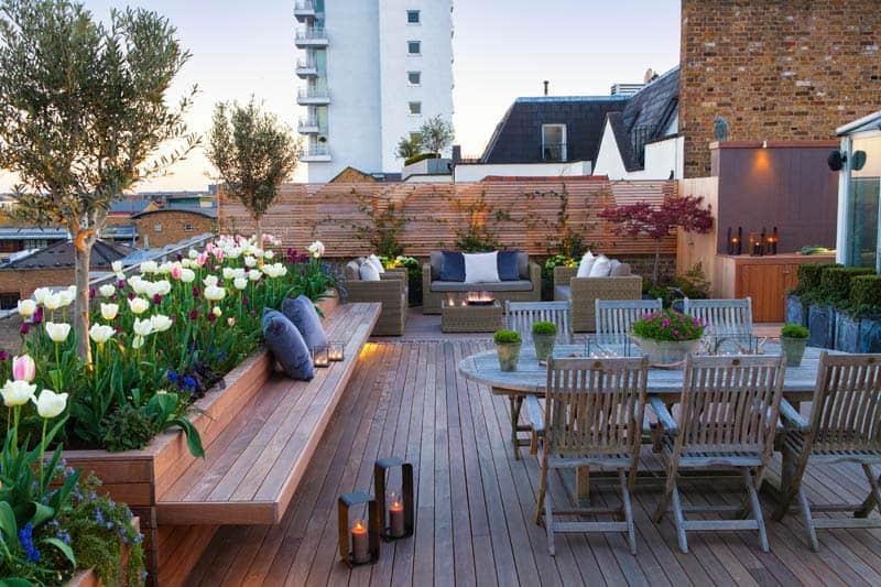 Banco flotantes y jardineras para la terraza