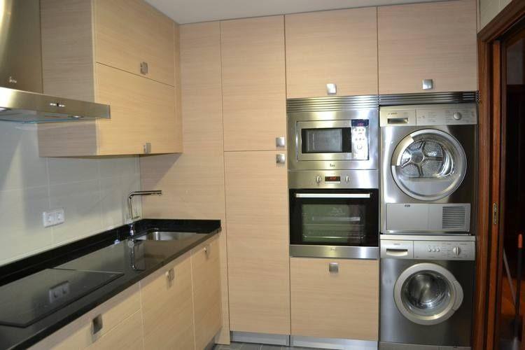 Encuentra un nuevo hogar para la lavadora si tu cocina es pequeña