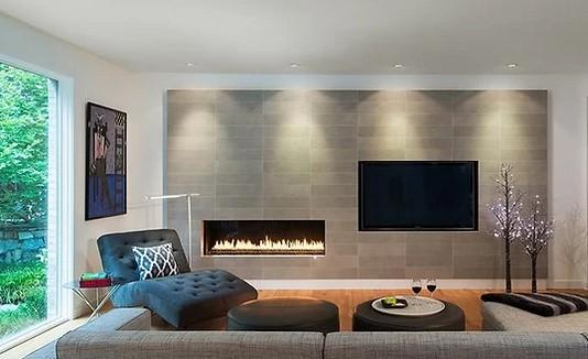 salon minimalista con chimenea empotrada