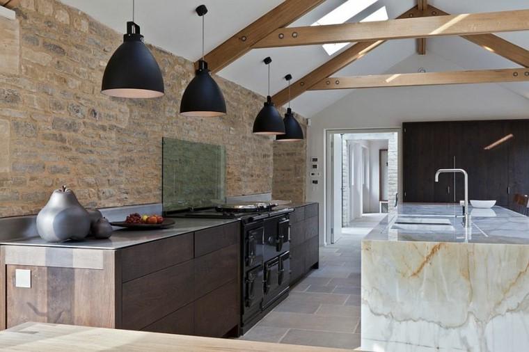 paredes de piedra en una cocina moderna
