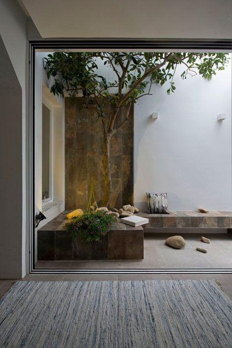 decorar patios internos para relajarse
