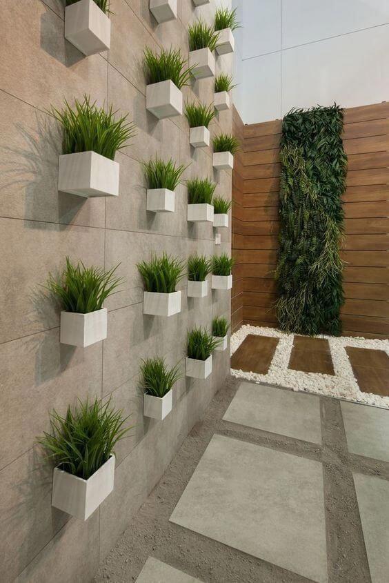Plantas en la pared para cocheras sin techo