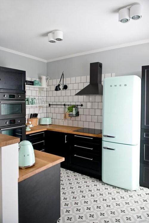 Pequeña pero práctica cocina vintage moderna