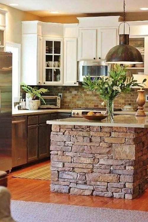 De piedra la mesa, de piedra la pared de la cocina