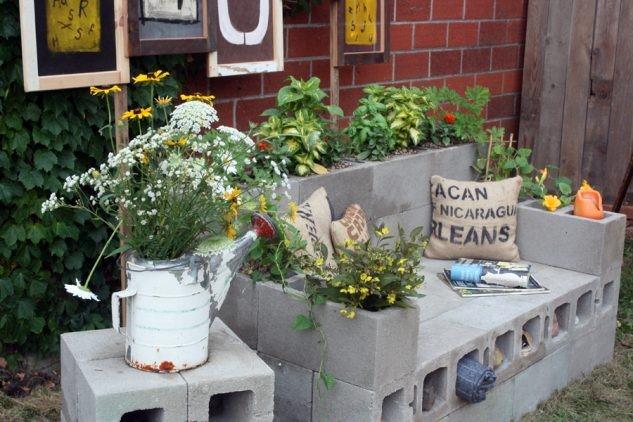 Bloques de cemento Para relajarse en el jardín
