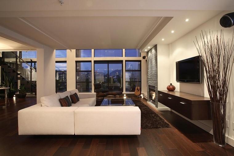 Moderna comodidad con detalles de madera