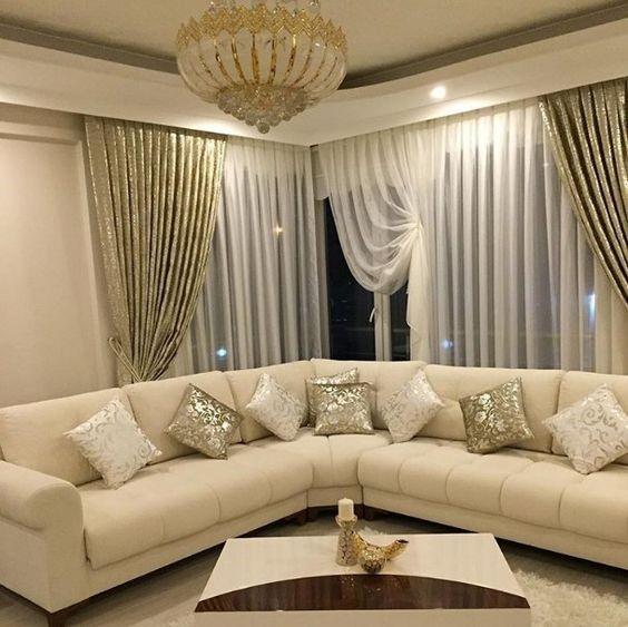 Cuando el sofá beige es el protagonista del salón