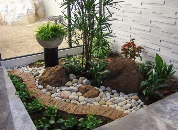 Las piedras darán elegancia cualquier jardín pequeño