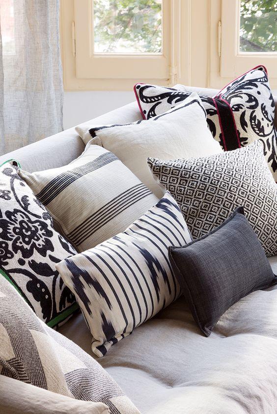 Cojines Estampados para un sofá blanco