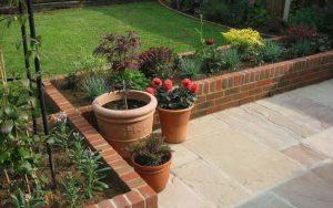 decoracion de jardin con ladrillos