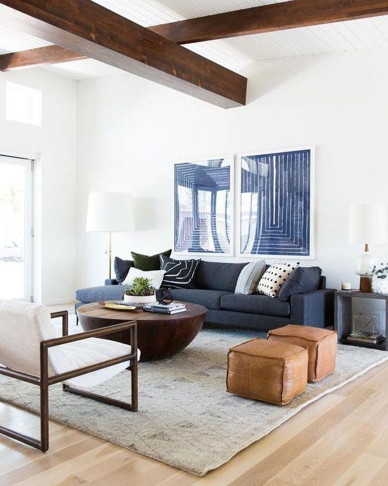 1 sofá Blanco y otro en Azul